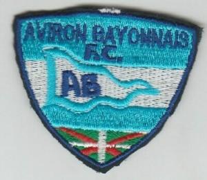 Petit-écusson-tissu-brodé-AVIRON-BAYONNAIS-FOOTBALL